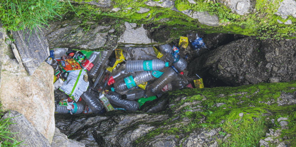 plastic pollution at Tungnath Chandrashila