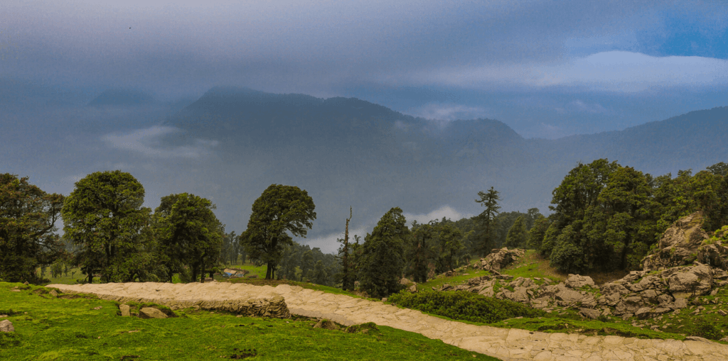 trails to tungnath temple